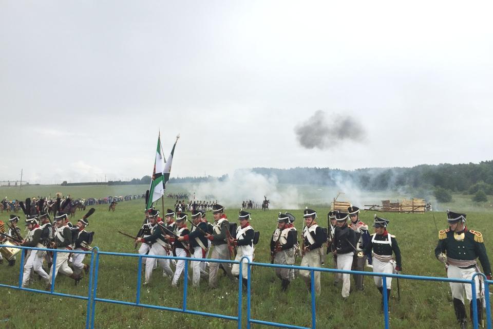 Реконструкция кавалерийского боя под Миром.